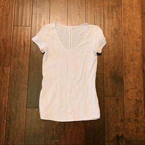 LULULEMON white t-shirt